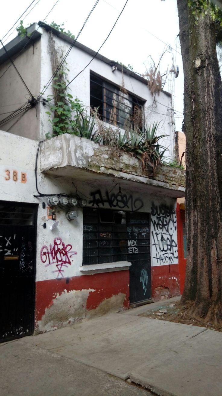 Casa abandonada en avenida las Torres, Delegación Tlalpan, CDMX.