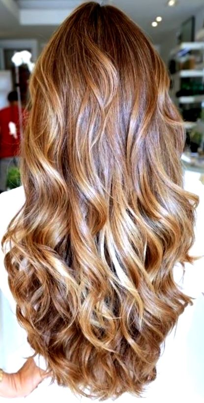 Bride S Long Soft Down Curls Wedding Hair Ideas Toni Kami Wedding