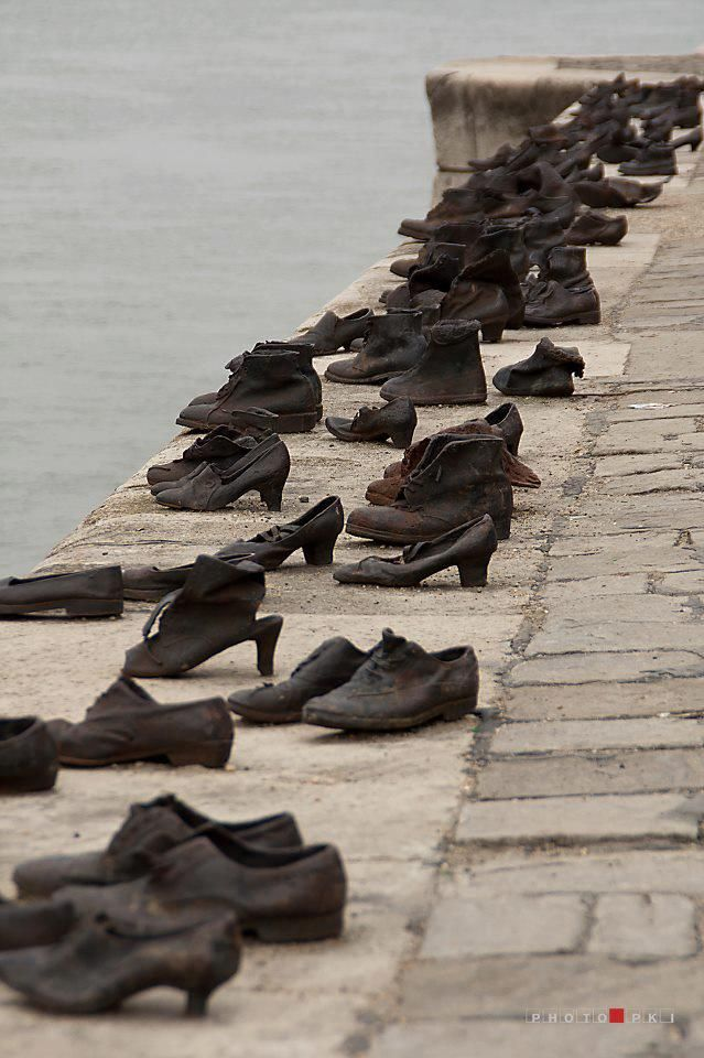 Famous Statues of Budapest: Shoes on the Danube Promenade ...