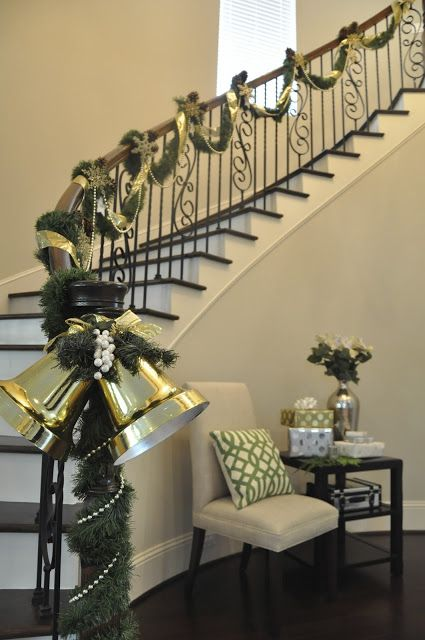 17 best ideas about christmas staircase on pinterest for Stair railing decorated for christmas