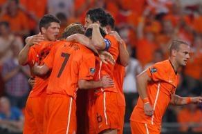Oranje juicht na een goal