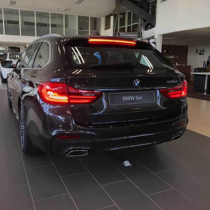 97 вподобань, 3 коментарів – BMW, M, I & MINI Dealer (@hansseversbmwmini) в Instagram: «Amazing introduction day for our new family member, G31 5-series touring»