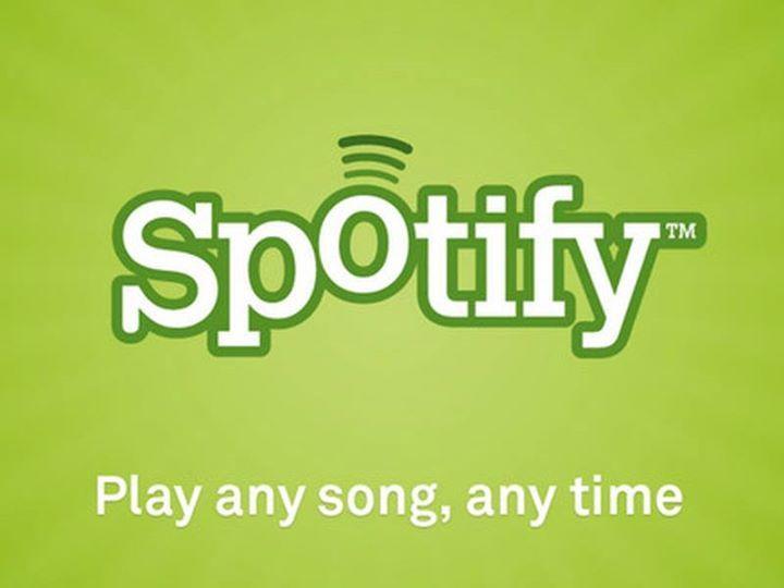 """Стриминговый сервис Spotify объявил самую популярную среди своих пользователей композицию. Результат оказался неожиданным: это трек """"Lean On"""" записанный электронным дуэтом Major Lazer при участии DJ Snake и MØ.  Трек был выпущен в этом году и с момента своего выхода набрал 526 миллионов прослушиваний. Для сравнения: на Youtube у одного только официально клипа на песню более 750 миллионов просмотров.  Что интересно эту композицию предлагали Рианне (Rihanna) и Ники Минаж (Nicki Minaj) но обе…"""
