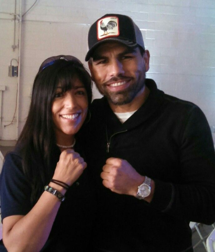 "Rosie & Pro Boxer - Alfredo Angulo ""El Perro"" An honor it was to meet him!! Finally!! :)"