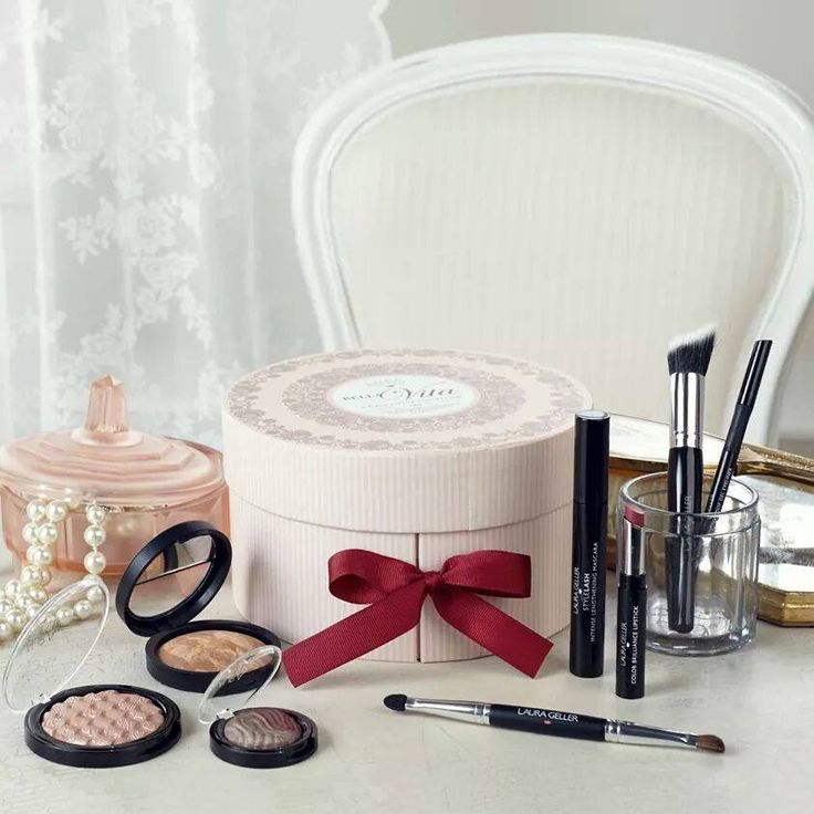 8 Piece Bella Vita Cosmetics Collection