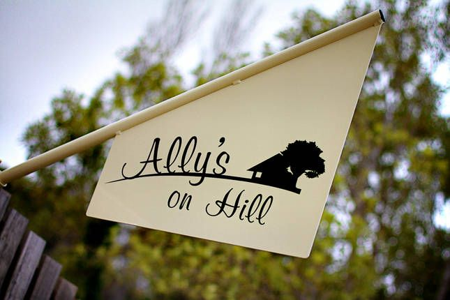 Ally's on Hill, a Moss Vale Self catering studio   Stayz
