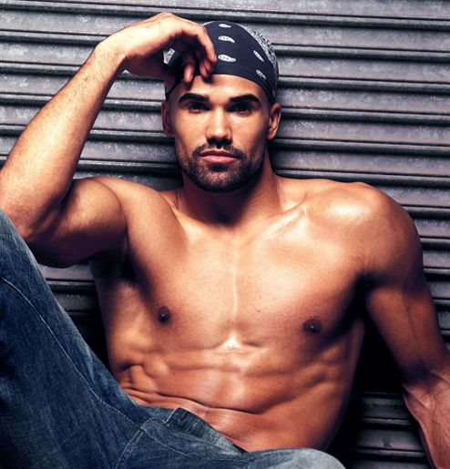 19. Shemar Moore  Born on: 20th April 1970Sexy because: of his amazing face, sculpted body, and adorably crooked smile, not to mention that whole modeling …
