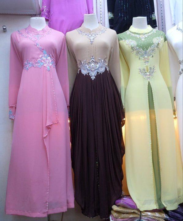 desain baju muslim modern yang saat ini sedang digandrungi oleh kaum muslimah muda. Selain menutup aurat, busana muslim tidak kampungan dan ketinggalan jaman
