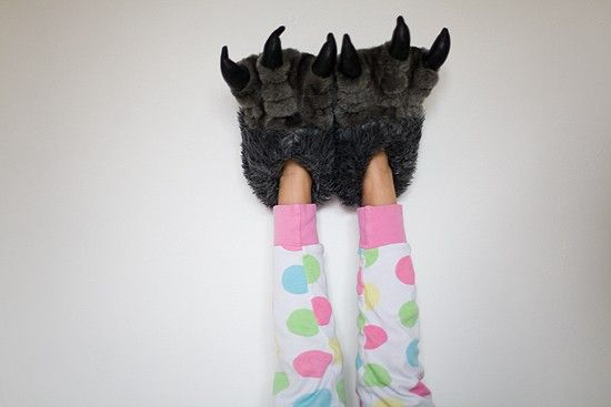 I want em!: Houses Slippers, Monsters Feet, Kiddie Koutur, Awesome Slippers, Monstrous Slippers, Feet Slippers, Little Monsters, Around The Houses, Awesome Stuff