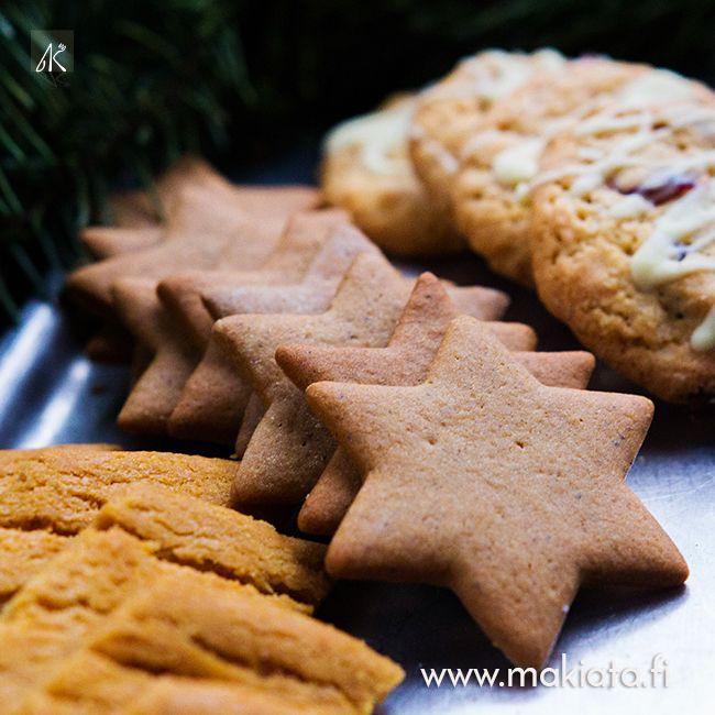 Wilhelmiinat, piparkakut ja valkosuklaa-karpalo cookies