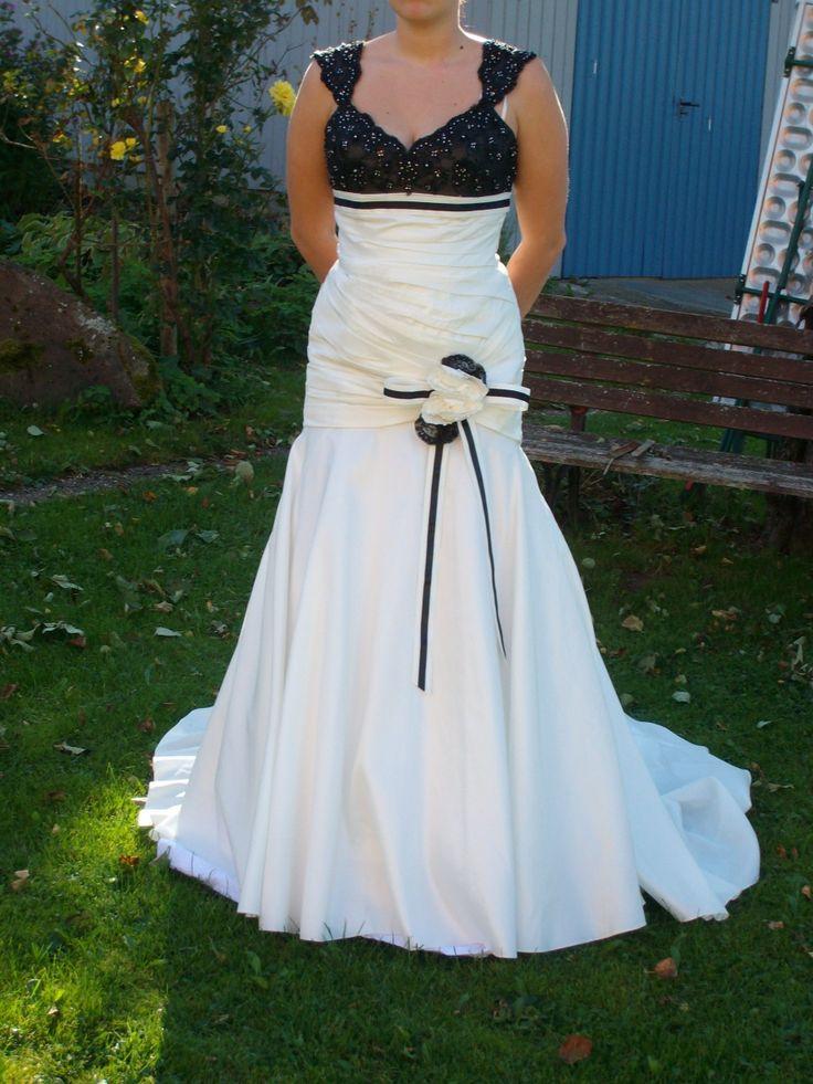 ... brautkleid-verkaufen/brautkleid-schwarz-weiss/ #Brautkleider #Hochzeit