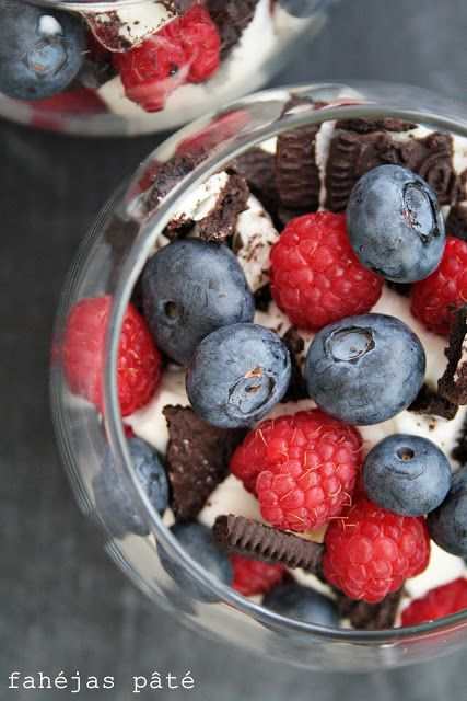 blueberry, raspberry and oreo in glass