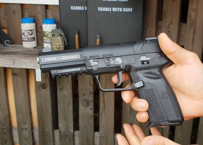 Cybergun Fn 5 7 Co2 Pistol Review Pistol Airsoft Guns
