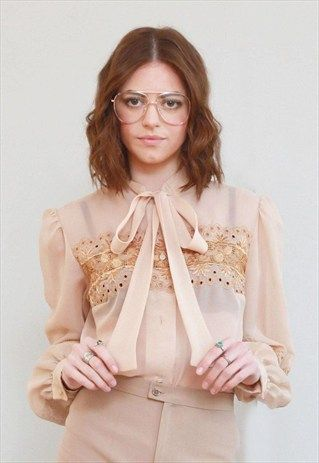 VINTAGE 1970'S PREMIUM BEIGE EMBROIDERED PUSSY BOW BLOUSE
