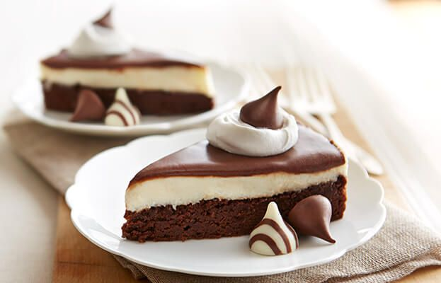Try this Tuxedo Torte recipe, made with HERSHEY'S products. Enjoyable baking recipes from HERSHEY'S Kitchens. Bake today.