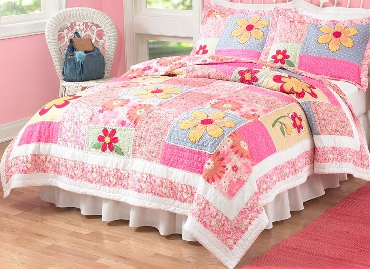 Olivia Quilt with Pillow Sham: Pink Flower, Quilts Sets, Girls Bedrooms,  Comforter,  Puff, Pem America, Olivia Pink, Pemamerica, Flower Quilts