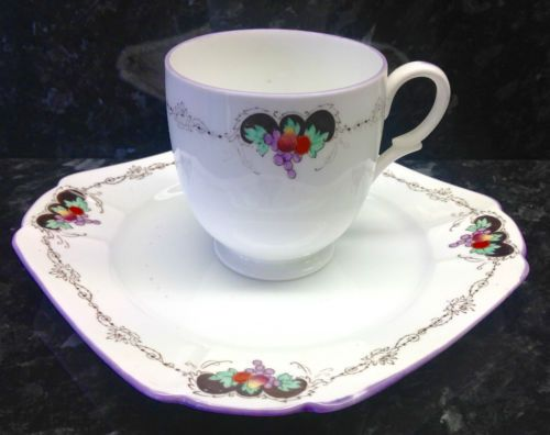 Shelley-Lomond-Shape-034-Bunch-of-Fruit-034-Pattern-Tea-Cup-amp-Side-Plate SIDE PLATE ?!! 12.95 POUNDS