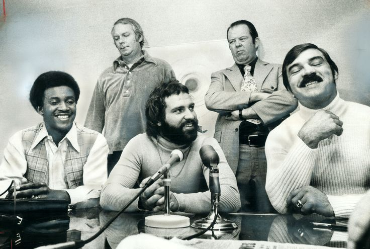 Dolphins stars Warfield, Kiick and Csonka shocked the NFL in 1974 by signing with the upstart World Football League.