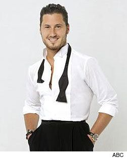 val chmerkovskiy single