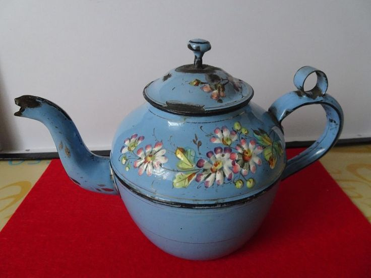 rare et ancienne theiere verseuse cafetiere emaillee bleu decort fleurs