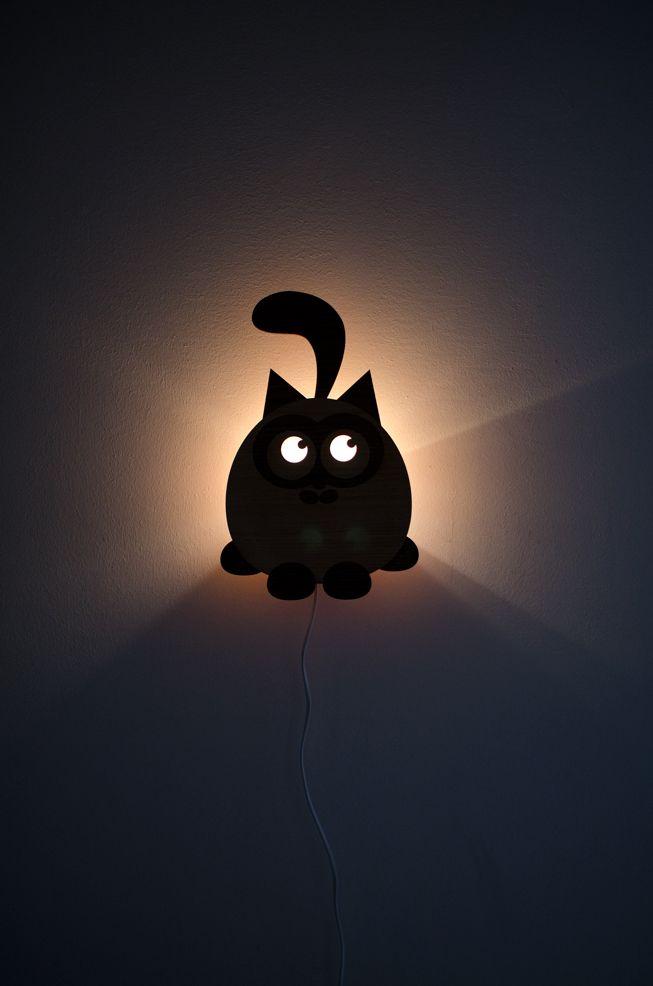 Black cat So süß!  www.mafemmepreferelebleu.com