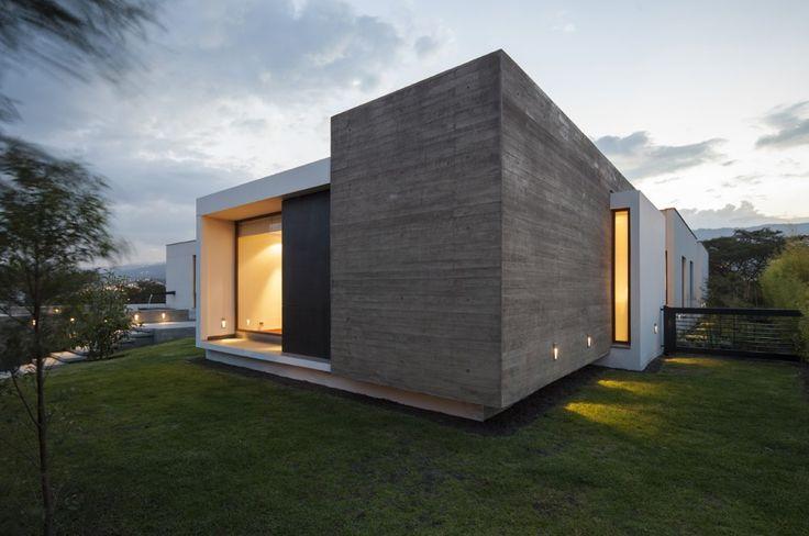 Gallery of NR2 House / Roberto Burneo Arquitectos - 18