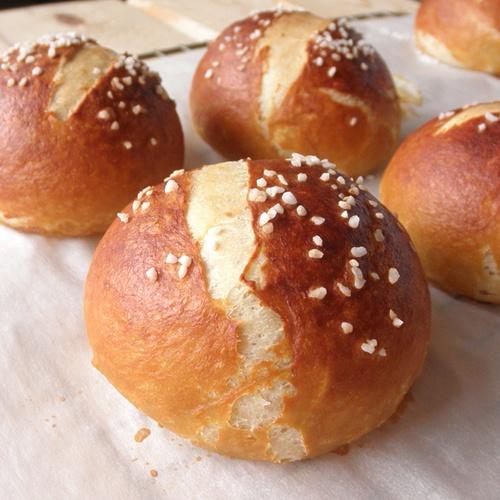 The Food Pusher: Pretzel RollsBreads Bowls, Breads Recipe, Food Pusher, Homemade Pretzels, Pretzels Breads, Favorite Recipe, Breads Rolls Buns, Pretzels Rolls Recipe, Breads Rolls Dough