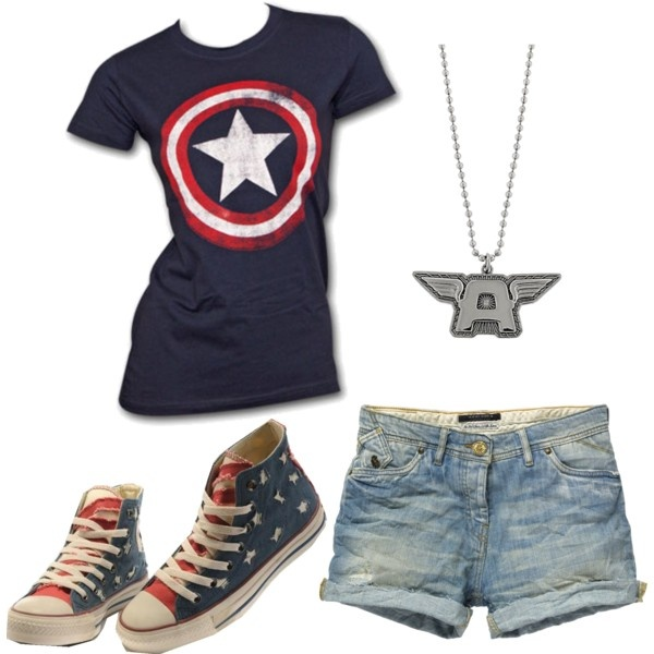 Captain America <3 not liking the shoes or shorts...but I love that shirt!!