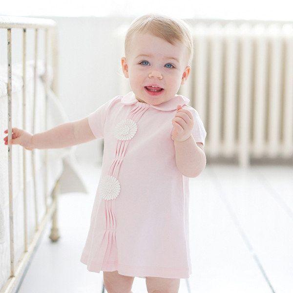 Нежно-розовое платье для девочки, дополнено объемными цветами. Натуральный хлопок. Размеры 74-80, 86-92, 98