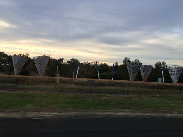 Ice Cream Cones - Forrest Highway musti difoto, Kwinana freeway Perth - Mandurah - Bunbury - Busselton, Minggu (24/4/2016)