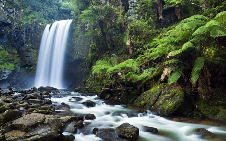 Hopetoun Falls (height 49 meter), Victoria, Australia