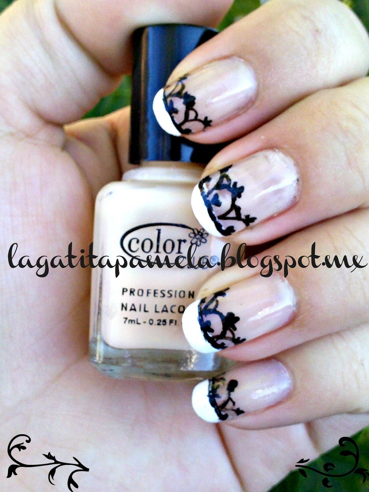 Gatita's nail art: French manicure with hand painted lace