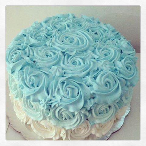 Pastel de betún con rosas ♥