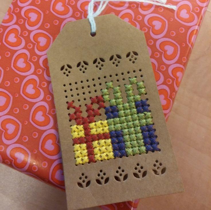 Labels om te borduren, set van 4 stuks met sint borduurpatroontje