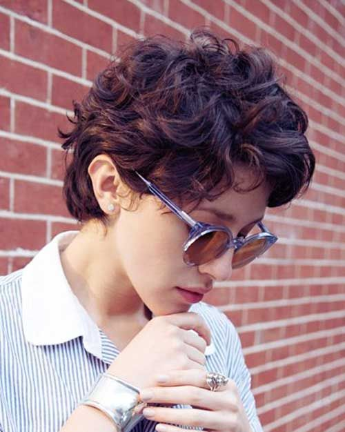Pixie Haircuts for Wavy Hair | http://www.short-hairstyles.co/pixie-haircuts-for-wavy-hair.html