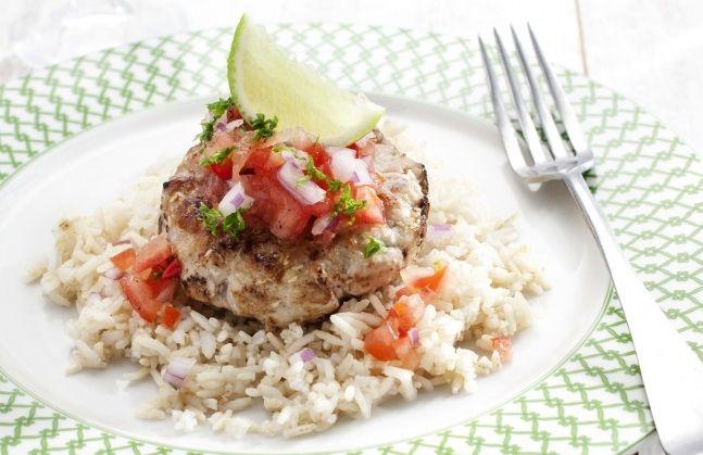 I love tonijn! Dit tonijnburger recept is van NewFysic. Wie zei er ook al weer dat je niet lekker kunt eten als je op dieet' ben? Hier het bewijs: Een super slanke, extreem lekkere tonijnburger.