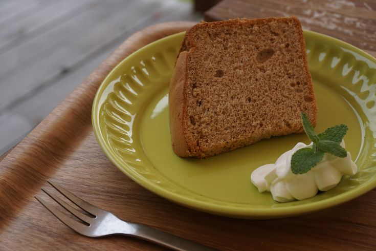 La ricetta della chiffon cake al cacao da preparare con il Bimby: ottima per colazione