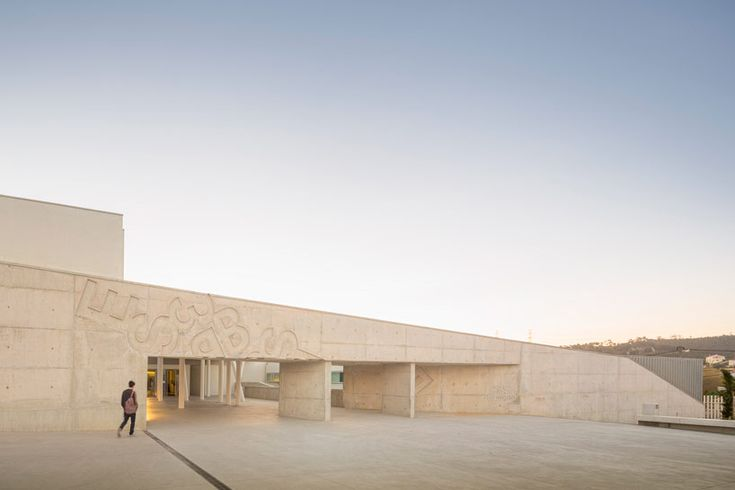 ARX combine informal + formal learning in canecas high school - designboom | architecture & design magazine