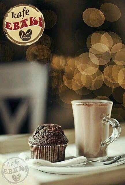 Que tal un muffin y un chocolate caliente para esta mañana lluviosa y fría ? #AllYouNeedIsLove #FelizMiercoles #VivaMexico #September #Desayuno #Breakfast #Yommy #ChaiLatte #Capuccino #Hotcakes #Molletes #Chilaquiles #Enchiladas #Omelette #Huevos #Malteadas #Ensaladas #Coffee #Caffeine #CDMX #Gourmet #Chapatas #Party #Crepas #Tizanas #SuspendedCoffees #CaféPendiente