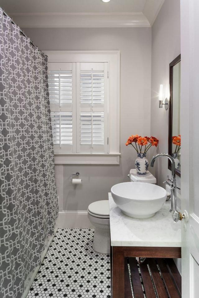 Les 25 meilleures id es de la cat gorie rideaux de douche for Petite salle de douche avec wc