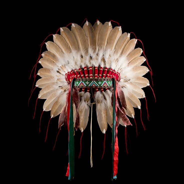 Plains style feather headdress/war bonnet 2127.12.01 (front view) ☩ «4Colors»™