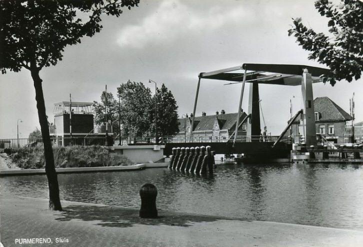 De sluisbrug over het noord-hollandsch kanaal in Purmerend