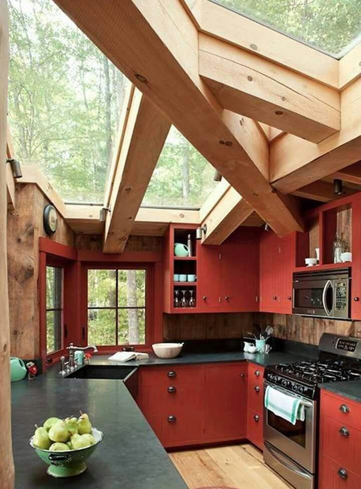 Perfect oregon kitchen for herb garden and rainstorms!!