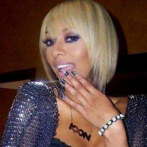 US singer Keri Hilson with White Shamballa bracelet..