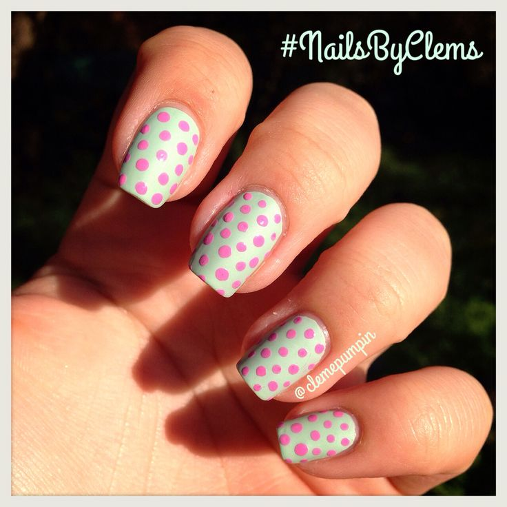 """Mi manicure del dia con dos lindos esmaltes de @maybellinechile de la colección #colorshow Muy recomendables! Buenos, bonitos y baratos!   My #notd  using """"Green with envy"""" by @maybellinechile topped with #matte topcoat and some #polkadots over it with """"Chiffon Chic"""" by @maybellinechile too  hope you like it!  #nails #nailart #nailsdid #nailswag #nailartist #nailpolish #nailartchile #nailstagram #nailartdaily #nailsbyclems #uñas #unhas #unhasdasemana #dots #dotticure"""