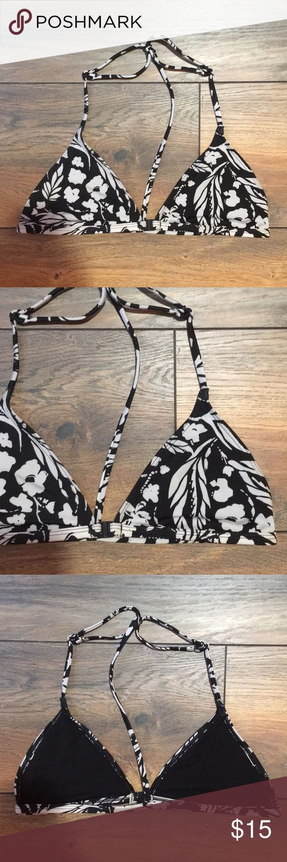 Urban Outfitters Out From Under Bikini Top, Small Out from under t-back bikini top from Urban Outfitters. Tag size has been cut out, but it's a size small. Light wear. Black and kind of an off white cream floral print. Matches the striped bottoms I have in my closet! Urban Outfitters Swim Bikinis