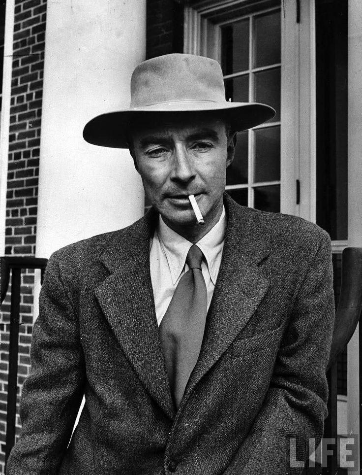 voxsart:  J. Robert Oppenheimer 4. At Princeton, by Eisenstaedt.