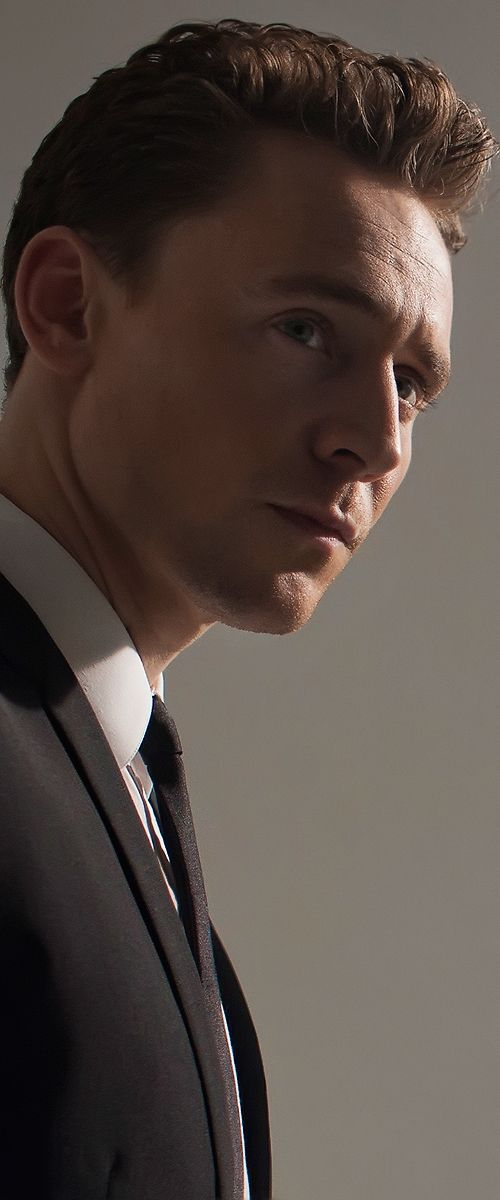 Tom Hiddleston by Greg Williams. Enlarge photo: http://imgbox.com/h7bItklQ. Source: Torrilla, Tumblr http://torrilla.tumblr.com/post/68429229708/tom-hiddleston-by-greg-williams-8x-uhq