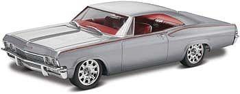 1965 Chevy Impala -- Plastic Model Car Kit -- 1/25 Scale