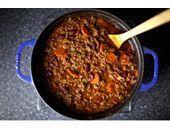 Dukan Beef Chili Ingredients Needed Chili Powder (1.0 tbsp) 90% Lean Ground Beef Sirloin (32.0 oz) Corn Starch (0.66 tbsp) Cumin (3.0 tsp) Garlic (4.0 clove) Onions - Raw (1.0 medium) Tomato Sauce (1.0 cup) Water (1.0 cup (8 fl oz))